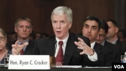 Ryan Crocker, nominado nuevo embajador de EE.UU.en Afganistán, admitió que los retos en ese país son grandes.