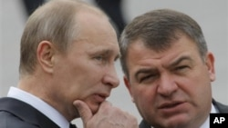 Владимир Путин и Анатолий Сердюков.