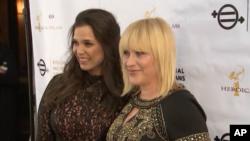 """پاتریشیا آرکت و کملا لوپز در روز اول اکران مستند """"ایکوئال مینز ایکوئال"""" در لوس انجلس"""