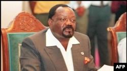 Jonas Savimbi, lors d'une conférence de presse, à Umtata dans le Cap-Oriental, le 08 janvier 1997.