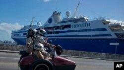 지난 2013년 12월 쿠바 아바나 항에 유람선이 정박해 있다. (자료사진)