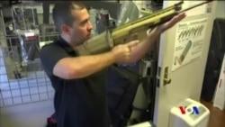 川普總統建議禁售加強槍支殺傷力裝置 (粵語)