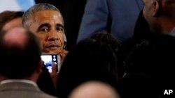Mantan Presiden AS Barack Obama di Chicago, 3 Mei 2017 (AP Photo/Nam Y. Huh).