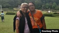 Debora Nainggolan bersama Ibunya, L S Veronica Sinaga (dok: Debora Nainggolan)
