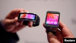 Los relojes inteligentes de Samsung Gear 2 y Gear Fit fueron exhibidos en febrero en el Mobile World Congress.