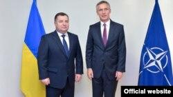 Степан Полторак і Єнс Столтенберґ