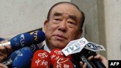 資料照:台灣前行政院長郝伯村2004年12月16日對媒體講話。