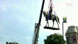 羅伯特·李將軍雕像聳立131年後被移除