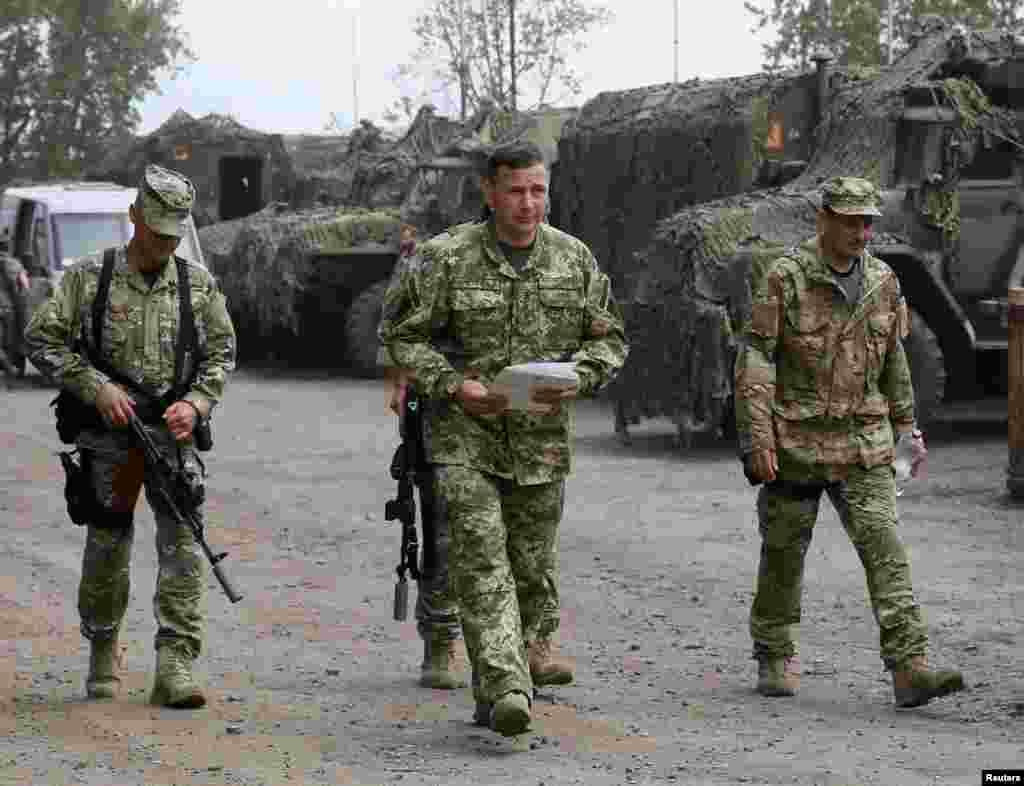 Міністр оборони Гелетей на вулицях Слов'янська