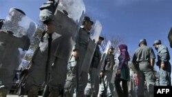 Người Afghanistan xuống đường biểu tình ở Kabul phản đối cuộc bầu cử quốc hội bị lu mờ vì các cáo buộc gian lận, ngày 2/11/2010