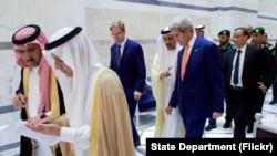 Ngoại trưởng Mỹ John Kerry gặp các nhà lãnh đạo khu vực ở Ả Rập Xê-út, 25/8/2016.