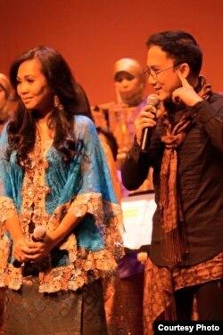 Personil Elfa's Singers, Uci Nurul dan Yana Julio (Dok: Wirawan Pandji Ismudjatmiko)