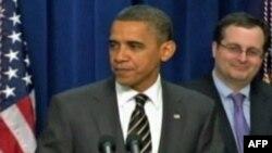Američki predsednik Barak Obama sa svojim dugogodišnjim prijateljem, pomoćnikom državnog tužioca, Tomom Perelijem koji je uložio pola miliona dolara u Obaminu predizbornu kampanju