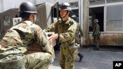 Vojska doprema zalihe u pogođena područja u JapanuT