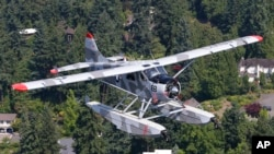 A de Havilland Beaver seaplane cruised over Lake Washington near Renton, Washington, Aug. 2, 2017.