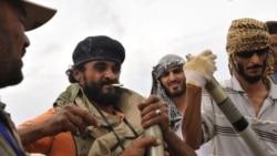 درگيری های پراکنده در ليبی و رد اتهامات از سوی سعد قذافی