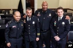 چھ جنوری کو کانگریس کی عمارت پر حملے کی سماعت میں پہلے روز گواہی دینے والے چار پولیس اہل کار۔