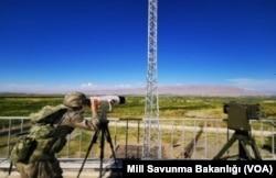 Milli Savunma Bakanlığı tarafından paylaşılan ve İran sınırında görev yapan bir gözlem istasyonu
