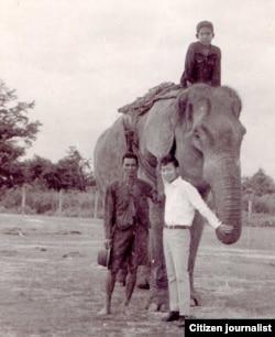 ທິດໝັ້ນ ແລະລູກຊາຍ ພ້ອມດ້ວຍ ທ່ານ Kou Yang ທີ່ແຂວງ ໄຊຍະບູລີ (1973)