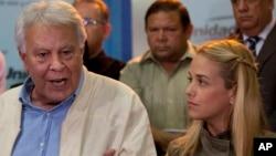 Felipe González viajó a Caracas el 7 de junio para unirse a la defensa de Leopoldo López, preso desde febrero de 2014, pero le fue negada la visita a la cárcel.