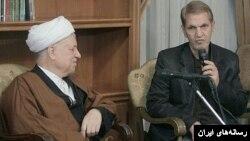 احمد غلامی در کنار هاشمی رفسنجانی