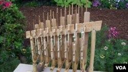 Instrumen dari bambu khas Jawa Barat ini sebentar lagi akan naik pamornya menjadi warisan budaya dunia.