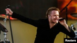 Dan Reynolds của nhóm Imagine Dragons
