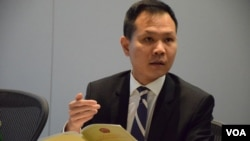 公民黨立法會議員郭榮鏗表示,希望與北京官員建立直接溝通平台。(美國之音記者湯惠芸拍攝)