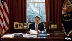 Presiden Barack Obama di Gedung Putih. Gaji tahunan Presiden Obama adalah 400.000 dolar AS per tahun.