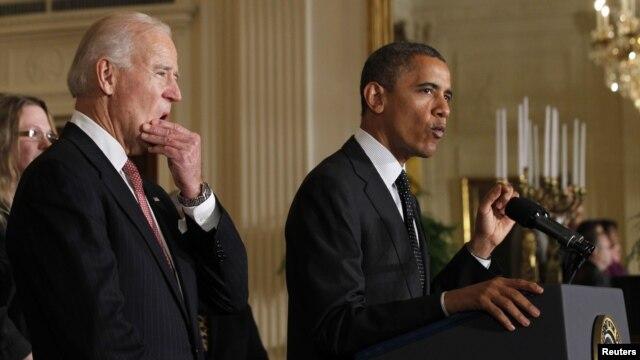 El presidente Barack Obama y el vicepresidente Joe Biden  le dicen al Congreso que están listos para negociar un acuerdo que evite una crisis fiscal desde enero.