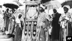 Haile Selassie Enters Addis Ababa