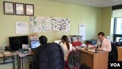 한국 정착 탈북민들이 만드는 온오프라인 매체, '한통신문'의 서울 사무실.