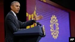 """Con respecto al Acuerdo de Asociación Transpacífico (TPP), criticado duramente por el presidente electo de EE.UU., Donald Trump, Obama reiteró su """"compromiso"""" con ese pacto y alertó de que no perseguir su ratificación es perjudicial para los intereses de Washington."""