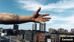 """Esta es una de las obras que forman parte de la exhibición y pertenece al artista Joseph Rodríguez, de la colección """"Spanish Harlem"""" 1987."""