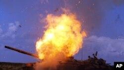 Imagens da Líbia a ferro e fogo