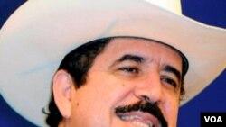 """El depuesto presidente de Honduras Manuel Zelaya dice que es """"un intérprete del pueblo""""."""