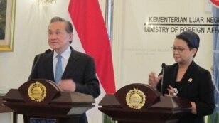 Jumpa pers Menteri Luar Negeri Indonesia dan Thailand (VOA/Fathiyah)
