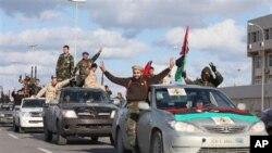 د لیبیا خلګو د خپل پاڅون کلیزه ولمانځله