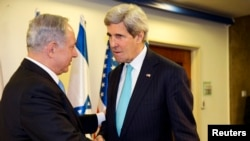 Israeli Prime Minister Benjamin Netanyahu (L) meets with U.S. Secretary of State John Kerry as they meet in Jerusalem, March 31, 2014.