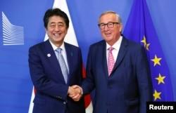 아베 신조 일본 총리와 장클로드 융커 EU 집행위원장의 정상회담이 지난 27일 벨기에 브뤼셀에서 열렸다.
