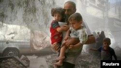 """El subsecretario general de la ONU para Asuntos Humanitarios, Stephen O'Brien, advierte que la gente está expuesta """"a morirse de haber deliberadamente""""."""