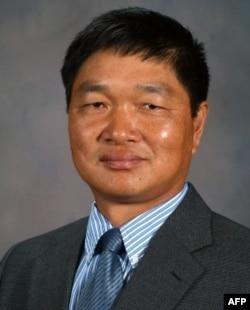 Giáo sư Xueyan Sha, tiến sỹ nông học, đã nghiên cứu để tìm tòi giống lúa Jazzman
