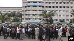 Kenya Teachers protesting in front of Prime Ministers office in Nairobi during their protest in Nairobi. (File)