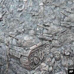陈维明六四大屠杀浮雕其中一部份