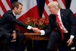 El presidente de EE.UU. Donald Trump y el presidente de Francia Emanuel Macron se reúnen en Nueva York al margen de la Asamblea General de la ONU. Sept. 18, 2017.
