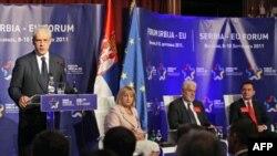 """Predsednik Srbije Boris Tadić govori na prvom Forumu Srbija-EU """"Prevazilaženje krize, put ka Evropskoj uniji"""", 9. septembra 2011."""