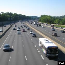 州际高速公路使美国长途铁路客运衰落