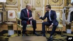 Tổng thống Mỹ Donald Trump (trái) và Tổng thống Pháp Emmanuel Macron trong Điện Élysée, ngày 10 tháng 11, 2018