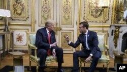 ប្រធានាធិបតីអាមេរិក ដូណាល់ ត្រាំ និងប្រធានាធិបតីបារាំង Emmanuel Macron ជួបគ្នានៅប៉ារីសកាលពីថ្ងៃទី១០ វិច្ឆិកា ២០១៨។