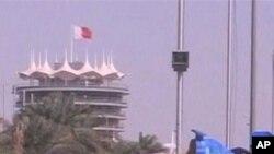 ລົດຈໍານວນນຶ່ງແລ່ນຕໍາກັນ ໃນລະຫວ່າງການແຂ່ງຂັນ Formula One Grand Prix ທີ່ບາຫ໌ເຣນ, ວັນທີ 22 ເມສາ 2012.